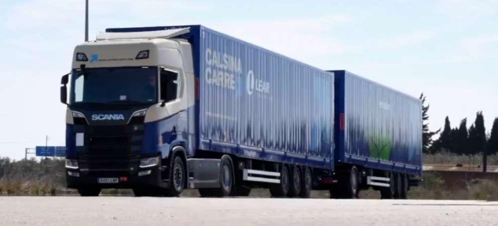 Calsina Carré incorpora un duotrailer en una ruta hacia Marruecos