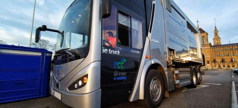 EMULSA prueba el 'Vehículo Industrial Ecológico del Año 2021'